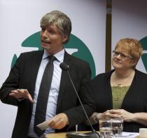 Ola Elvestuen og Trine Skei Grande (fra pressekonferanse juni 2011)
